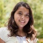 schattig gelukkig hispanic meisje — Stockfoto #2348237