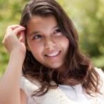 ładny zadowolony hiszpańskie dziewczyny — Zdjęcie stockowe #2348240