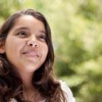 ładny zadowolony hiszpańskie dziewczyny — Zdjęcie stockowe #2348354