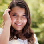 ładny zadowolony hiszpańskie dziewczyny — Zdjęcie stockowe #2348398