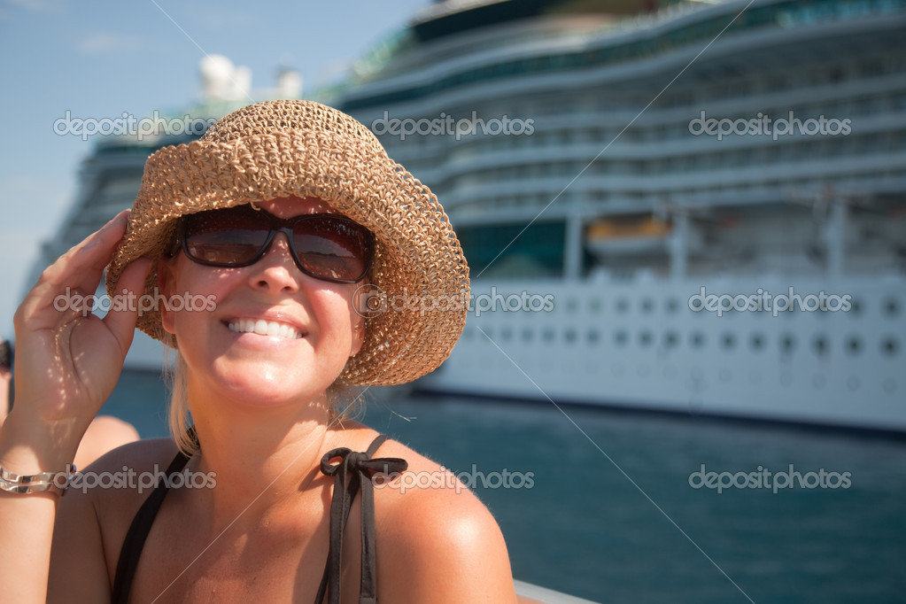 Beautiful Vacationing Woman on Tender Boat with Cruise Ship in the Background. — Foto Stock #2345037