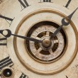 Worn Vintage Antique Clock Face and Mechanism. — Foto de Stock