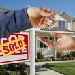 Handing Over the House Keys to Home — Stock Photo