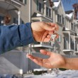 Handing Over the Keys to Apartment - Foto Stock