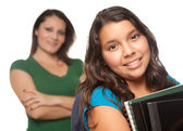 Filha de mãe e estudante latino-americano — Fotografia Stock