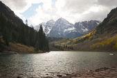 Maroon bells e marrom-lago em aspen colorado — Fotografia Stock