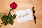 Thank You Card, Pen and Rose on a Wood — Stock Photo