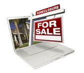 Foreclosure Real Estate Sign on Laptop — Stock Photo