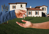 Handing Over the Keys and House — Foto Stock
