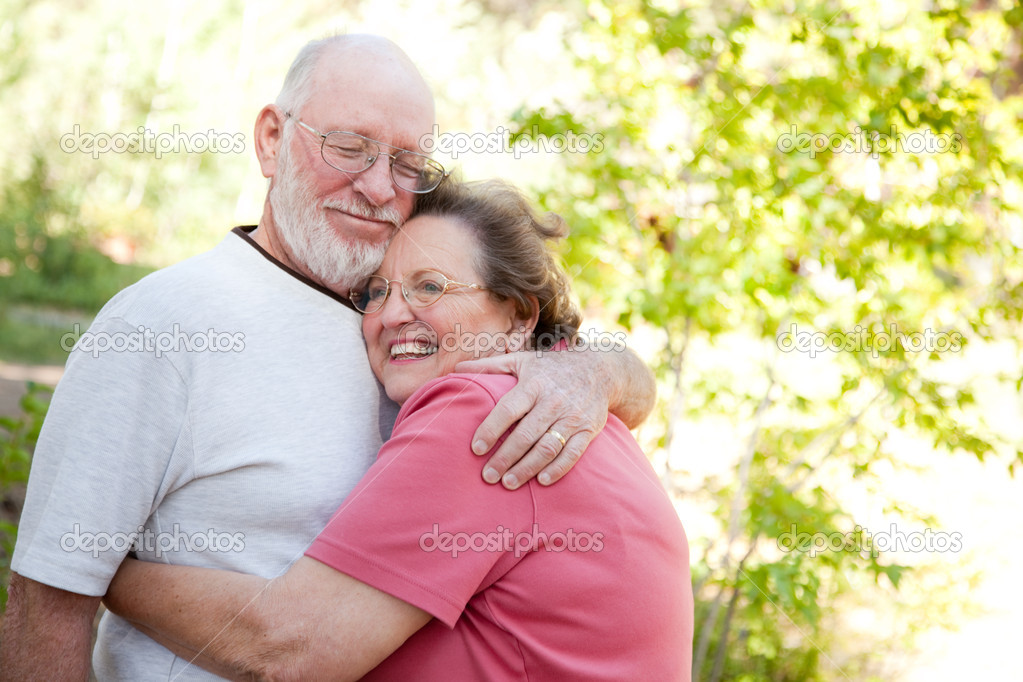 Loving Senior Couple Enjoying the Outdoors Together. — Stock Photo #2352678