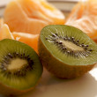 Kiwi and Clementine Tangerines — Stock Photo