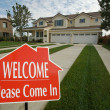 Welcome, Please Come In Sign and House — Stock Photo #2369171
