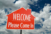 Welcome, Please Come In Sign Over Clouds — Stock Photo