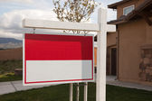 Blank Red Real Estate Sign and House — Stock Photo