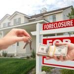 Handing Over Cash For House Keys — Stock Photo