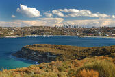 Beautiful Sydney Skyline with ocean bay — Stock Photo