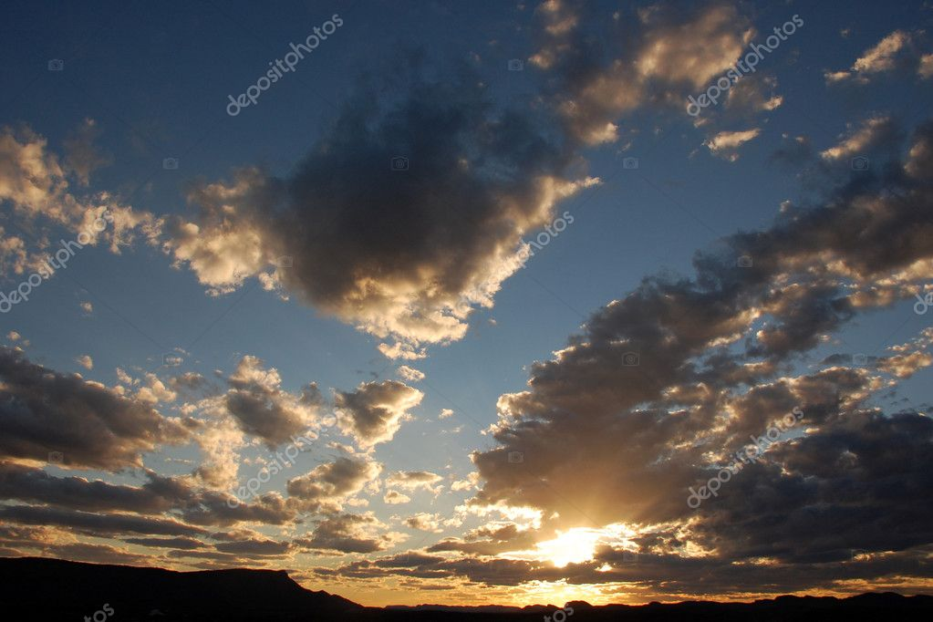 Dramatic sunset sky with clouds — Stock Photo #2332493