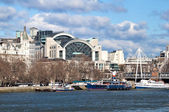 Charing Cross Station and Thames — Стоковое фото