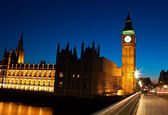 Night shot of the Big Ben in London — Stock Photo