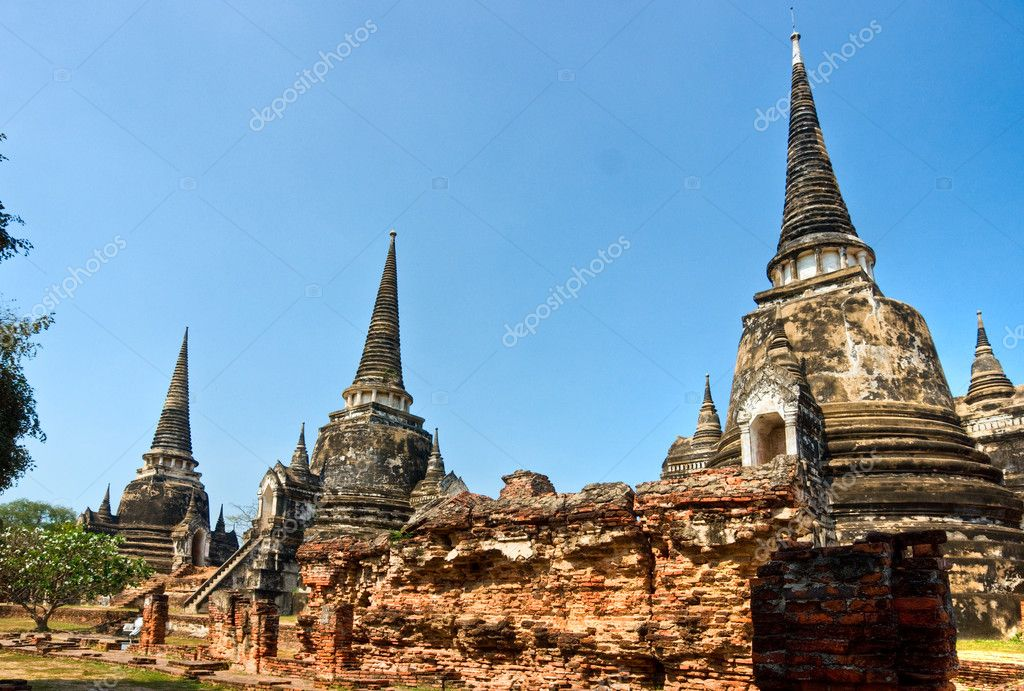 WAT PHRA SI SANPHET in Ayuthaya Historical park, Thailand, — Stock Photo #2334797