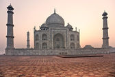 Taj Mahal at sunset, Agra, Uttar Pradesh, India. — Stock Photo