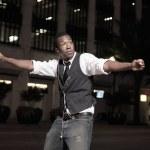 Молодые афро-американских мужчин, танцы на улице — Стоковое фото