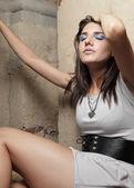 Vrouw met een enorme hoofdpijn — Stockfoto
