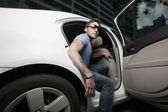 Superstar getting out of the car — Stockfoto
