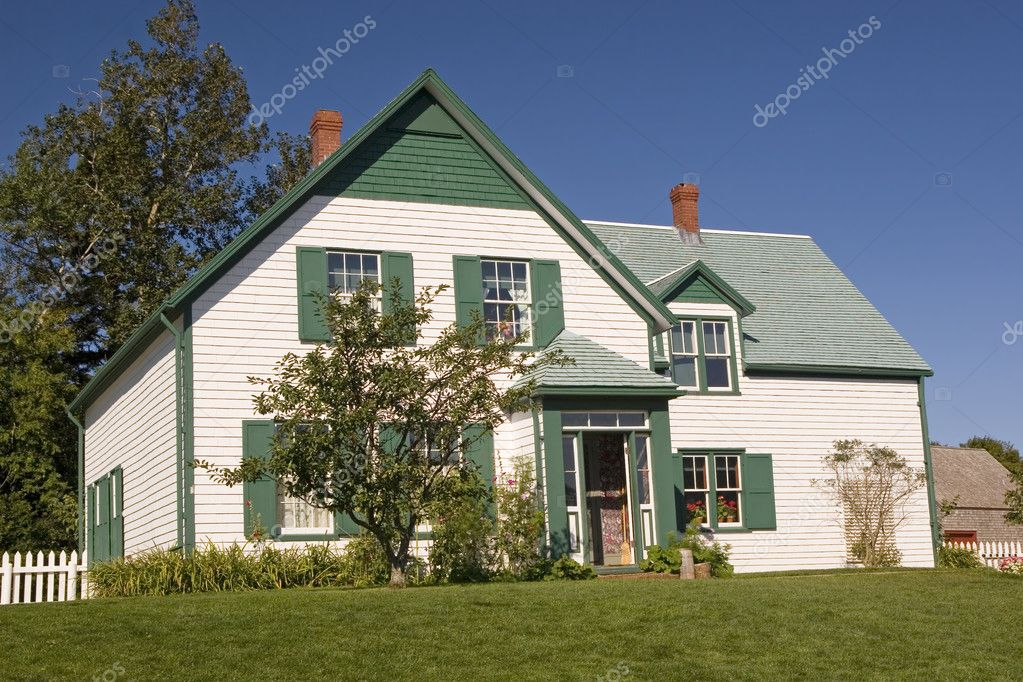 House in the National Park in Cavendish, Prince Edward Island that the author L. M. Montgomery used as a setting for her Anne of Green Gables novel. — Stock Photo #2507501