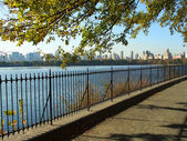 NYC Central Park reservoir — Stock Photo
