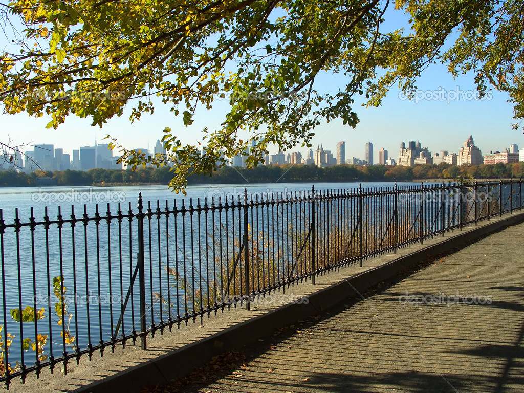 depositphotos_2329335-NYC-Central-Park-reservoir.jpg
