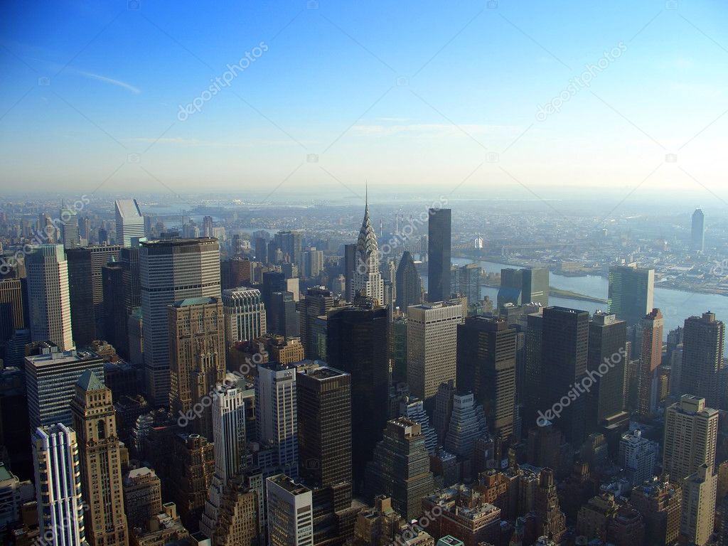 View over north east Manhattan and Chrysler building from Empire State building in the morning, New York — Stock Photo #2352731