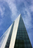 Spiky skyscraper vertical — Stock Photo