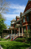 Red brick houses in Oak Park — Stock Photo