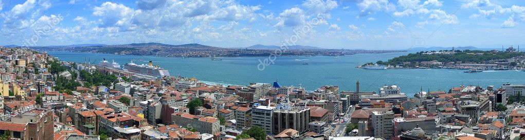 Bosphorus panoramic view from Galata tower, Istanbul, Turkey — Stock Photo #2476135