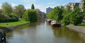 Canal and houses — Stock Photo