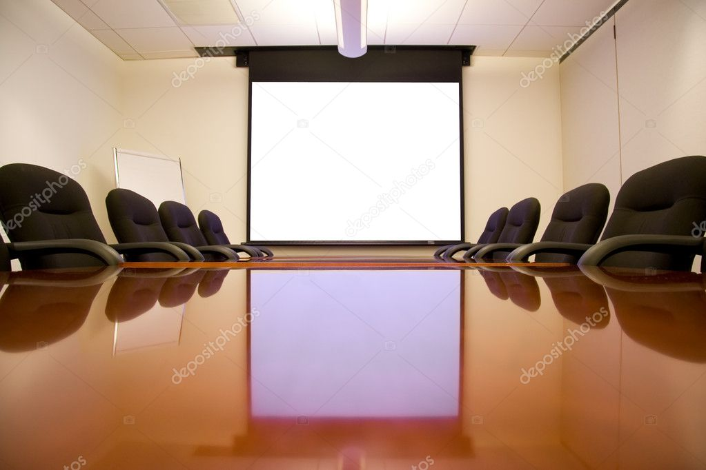 Meeting Room with White Screen Ready for a Presentation — Foto Stock #2285582