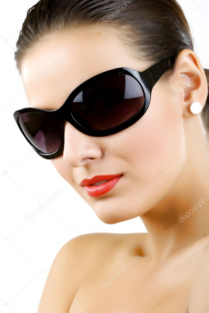 Woman in sunglasses glamour portrait over white — Stock Photo #2333753