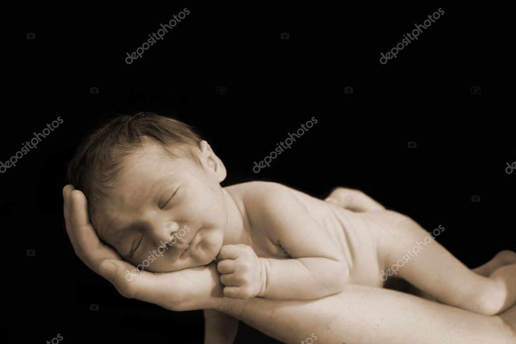 Newborn in hand — Stock Photo #2347589