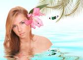 Donna attraente ricevendo il trattamento spa — Foto Stock