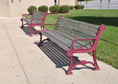 Two empty outdoor benches — Stock Photo