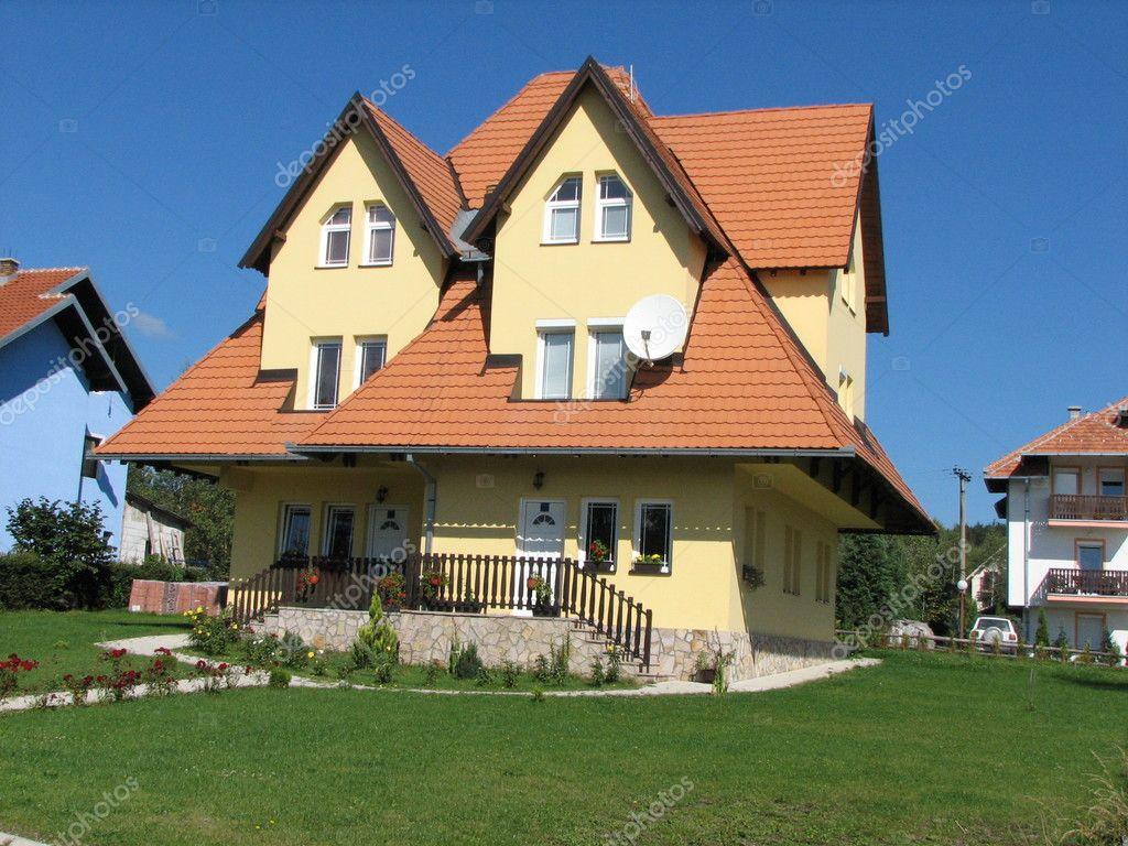 美丽的房子 - 图库图片
