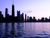 Chicago cityscape silhouette at sunset — Stock Photo