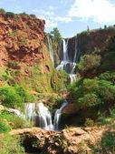 Красивый водопад — Стоковое фото