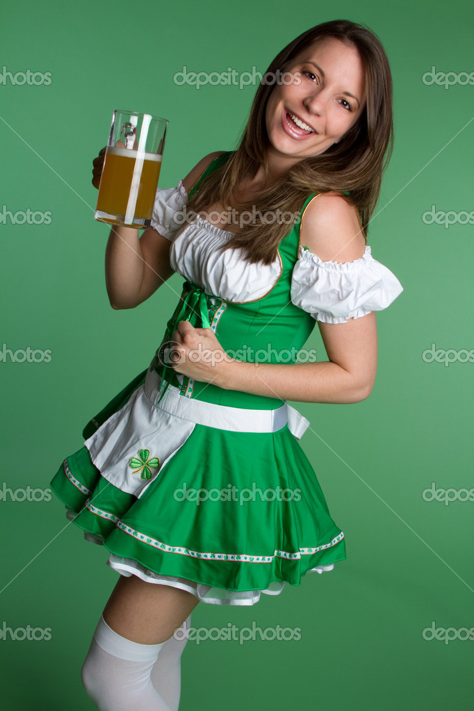Irish st patricks day beer woman — Stock Photo #2374193