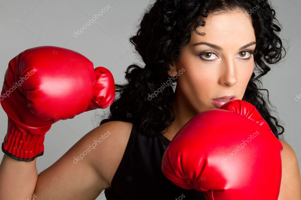 Beautiful athletic boxing woman — Stock Photo #2374314