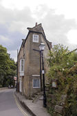 Corner house at Robin Hoods Bay — Stock Photo