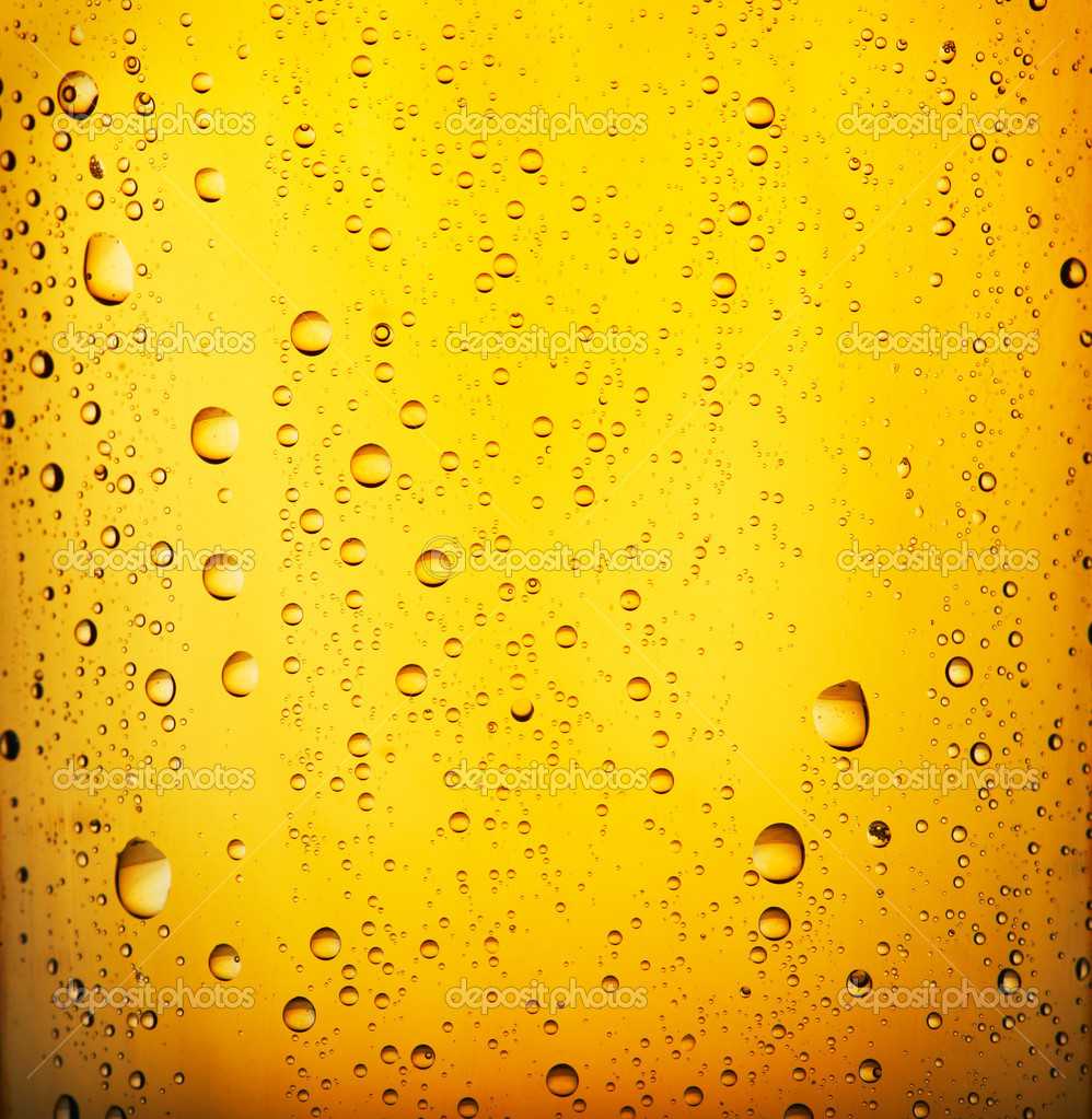 Fresh  beer with condensed water pearls. Closeup view. — Stock Photo #2326292