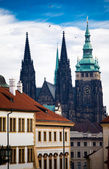 Prague castle and St. Vithus cathedral — Stock Photo