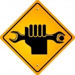Hand mit Schraubschlüssel — Stock Vector